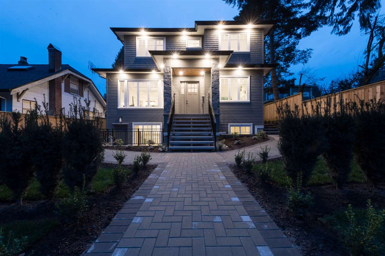 416 West 25th Street - Upper Lonsdale House/Single Family for sale, 6 Bedrooms (C4194156) #1